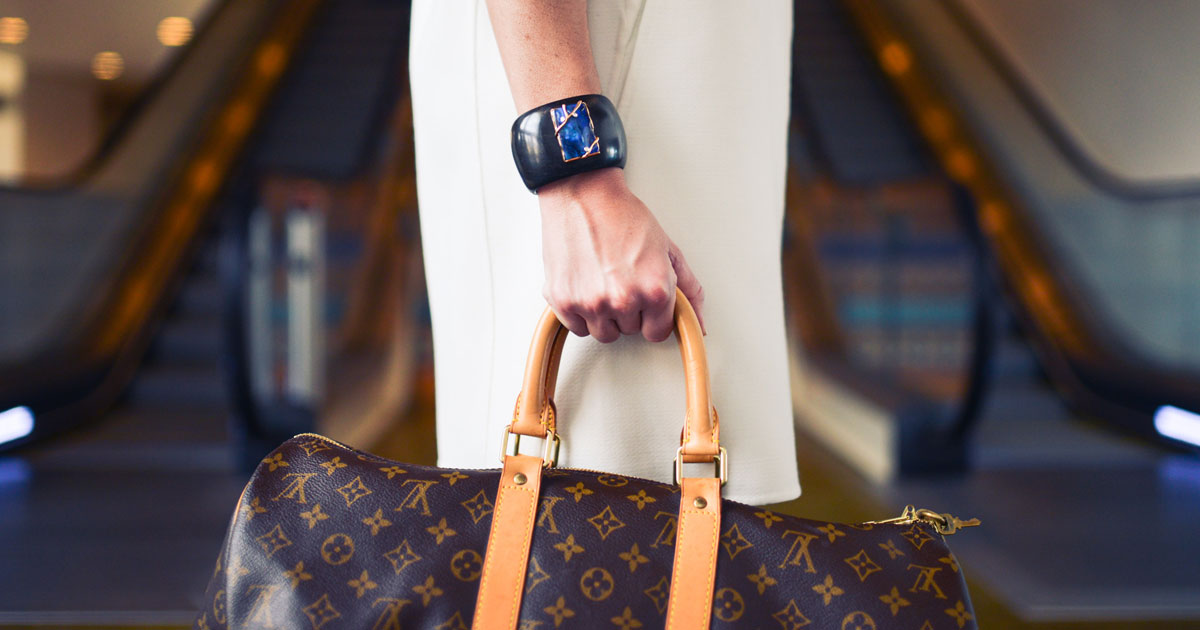 What's in Your Trade Show Suitcase? Packing Tips for Women.
